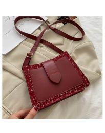 Дамска чанта в бордо със закопчалка сърце - код B117
