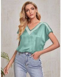 Атрактивна свободна дамска тениска в зелено - код 5754