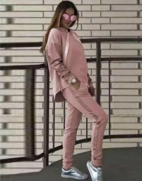 Спортен дамски комплект с долнище и суичър с качулка в розово - код 3396