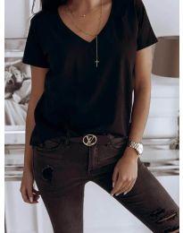 Majica - kod 3638 - crna