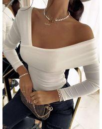 Атрактивна елегантна вталена дамска блуза с голо рамо в бяло - код 5343