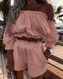 Атрактивен дамски сет топ с паданали рамене и къси панталонки в цвят пудра - код 2730