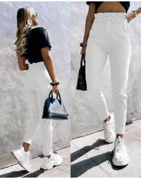 Дамски дънки с висока талия в бяло - код 2659