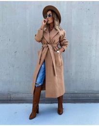Дълго елегантно дамско палто с колан в цвят капучино - код 5877