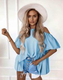 Атрактивна елегантна свободна дамска блуза с паднали рамене в светлосиньо  - код 0157