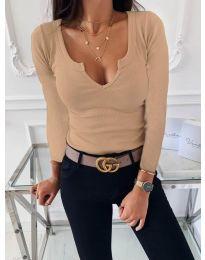 Изчистена дамска блуза рипс с дълбоко деколте в цвят капучино - код 875