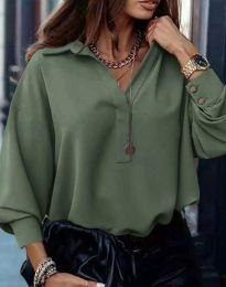 Свободна елегантна дамска риза с дълъг ръкав в масленозелено - код 2753